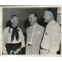 1946 Press Photo H Cotton Minchin Chief Fred Lookout T B Hall Pawhuska Oklahoma
