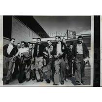 1959 Press Photo Workers leave General Motors Fisher body plant, steel strike
