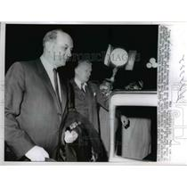 1962 Press Photo Dean Rusk gets into limousine in Andrews Air Force Base, MD.
