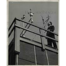 1943 Press Photo Edward Richards, U.SD. Weather Bureau Official - nee29192