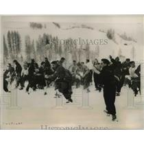 1939 Press Photo German and French youth engaged in snowball fight, camp