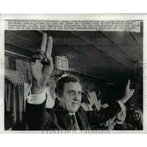 1972 Press Photo Maine Governor Edmund S. Muskie Celebrates Election Win