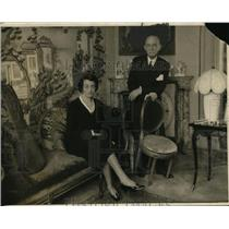 1930 Press Photo Monsieur May With The Ambassador's Wife At His Home