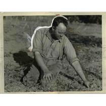1927 Press Photo Robert Leger at work planting trees  - nee50745