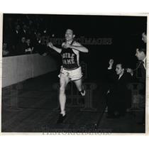 1941 Press Photo Greg Rice winner of 2 mile track race - nes28222