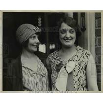 1929 Press Photo Pilot's Wife Mrs. Byron K. Newcomb, Mrs. R.J. Mitchell
