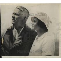 1932 Press Photo Mr & Mrs Frank J Lynch Watching Test Flight Of Their Plane