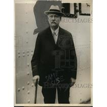 1925 Press Photo John Weeks Arriving At Buenos Aires, Touring South America