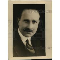 1928 Press Photo Alfred C Bossum Noted Architect Runs British Parliament