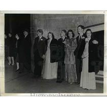 1941 Press Photo Pedestrians & Traffic Halt for 15 Minute Practice Blackout