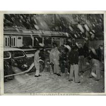 1943 Press Photo Seattle Youngsters Walk to School During Snowstorm  - nee50797