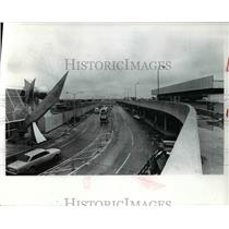 1977 Press Photo Airport Cleveland