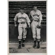 1934 Press Photo Don Kellette & Jim Mulligan of Boston Red Sox - nes29991