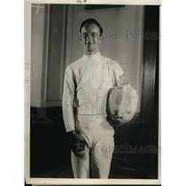 1930 Press Photo Wallis Walker of Yale at Intercollegiate Fencing Tournament