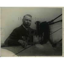 1923 Press Photo Mr EP Johnson Made Vertical Flying Machine Omnivator