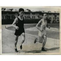 1932 Press Photo JW Savidan & George Perry at track practice in LA Calif
