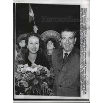 1959 Press Photo New York President Adolfo Lopez Mateo and wife at airport.