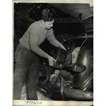 1940 Press Photo York Pa Fred Perkins & his backyard battery planr