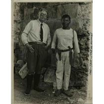 1933 Press Photo Mr.L.A. Willard with his faithful Aide Lupe.  - nee58789