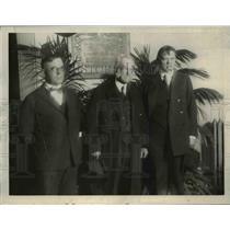1923 Press Photo Dedication of memorial tablet of George Harols Powell.