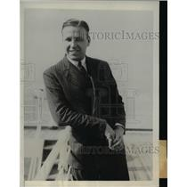 1932 Press Photo Ted Phelps arrives in NYC to represent England in the Olympics