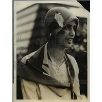1928 Press Photo Helen Barton Joseph, Radclife College hat