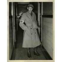 1939 Press Photo War Correspondent WW Bill Chaplin in London - nee70227