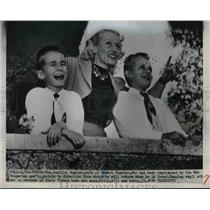 1951 Press Photo Mrs.Robert Vogeler at the veranda off their home with sons.