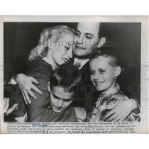 1951 Press Photo Robert Vogeler, alleges espionage embraces hiw wife and sons.