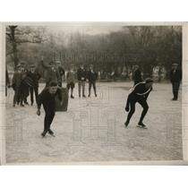 1927 Press Photo start of Amateur Skating Championship of Great Britain