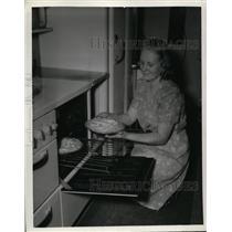 1941 Press Photo Yulee Hayes of Ohio, Pres. of Westlake Nutrition 4-h Club