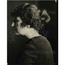 1921 Press Photo The Helleve or Greek coiffure hairstyle