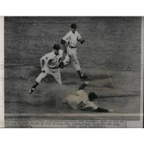 1951 Press Photo Boston's Vern Stephens safe at 2nd vs Tigers John Lipon
