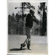 1935 Press Photo Wilmer Allison tennis player at golf at Pinehursr NC