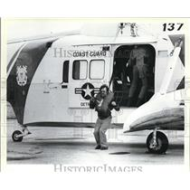 1979 Press Photo Reserved Crewmen Alights from Rescue Helicopter - cva77213