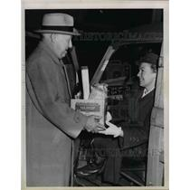 1950 Press Photo CL Small & food parcel for Mrs GE Tenney Red Cross worker