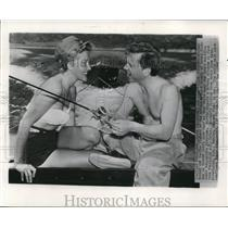 1949 Wire Photo Mickey and Martha Vickers Fishing on Hoover Dam's Lake Mead