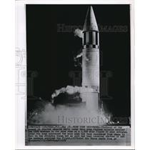 1989 Wire Photo Army Jupiter missile launched carrying 2 live monkeys on board