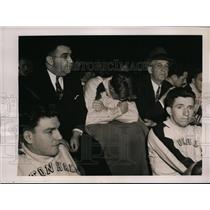 1941 Press Photo Bob Davies of Seton Hall basketball at game vs LIU in NYC