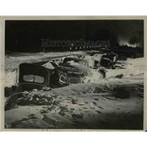 1940 Press Photo Fourteen of 25 Cars Snowed In Highway in Brighton Minnesota