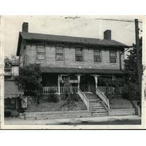 1933 Press Photo Residence of Hozekiah Dunham, founder of Bedford, built 100 yrs