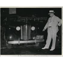 1938 Wire Photo Det. Robert Bradley, one of the policemen who captured C. Bird