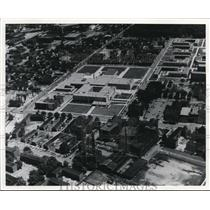 1908 Press Photo New East Technical High with old school in right foreground