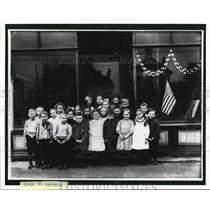 1910 Press Photo First Graders overflow classrooms - cva87443