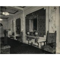 1924 Press Photo Cleveland, OH-East promenade at the Palace Theater - cva99608