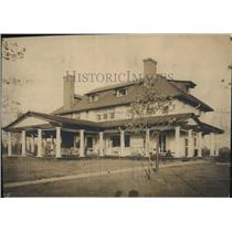 1911 Press Photo The Ned Hale home in Lake Shore near Willoughby - cva87704