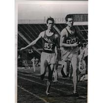 1939 Press Photo Wayne & Baline Rideout distance relay at N Tx Teachers College