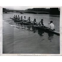 1947 Press Photo Columbia Varsity crew John Maher, Walter Beckman, Frank Snyder