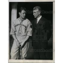 1934 Press Photo Jon Kellett & coach Doc Caris of Pennsylvania U baseball