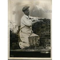 1927 Press Photo Thomas Sandy MacFarkane Radio Entertainer & Bricklayer